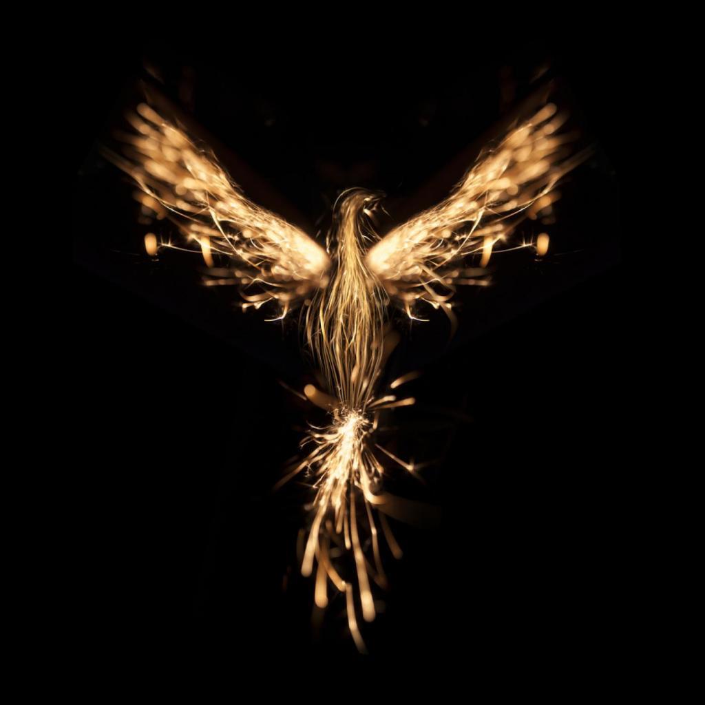 Az újjászülető Főnix-madár a Plútó szimbolikájához tartozik
