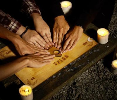 Az Ouija-tábla közvetíti a szellemek üzenetét?