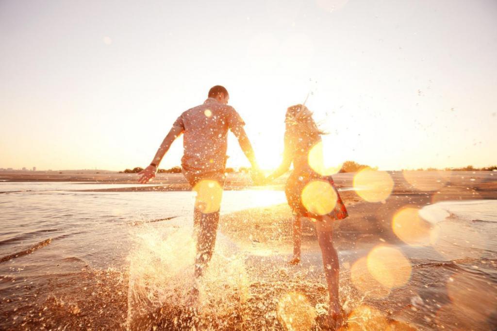 Mit hoz a nyár a párkapcsolat területén?