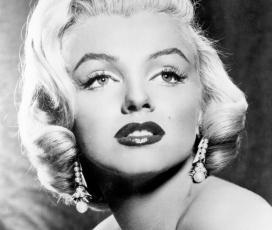 Monroe azcendense az Oroszlán jegyébe esik